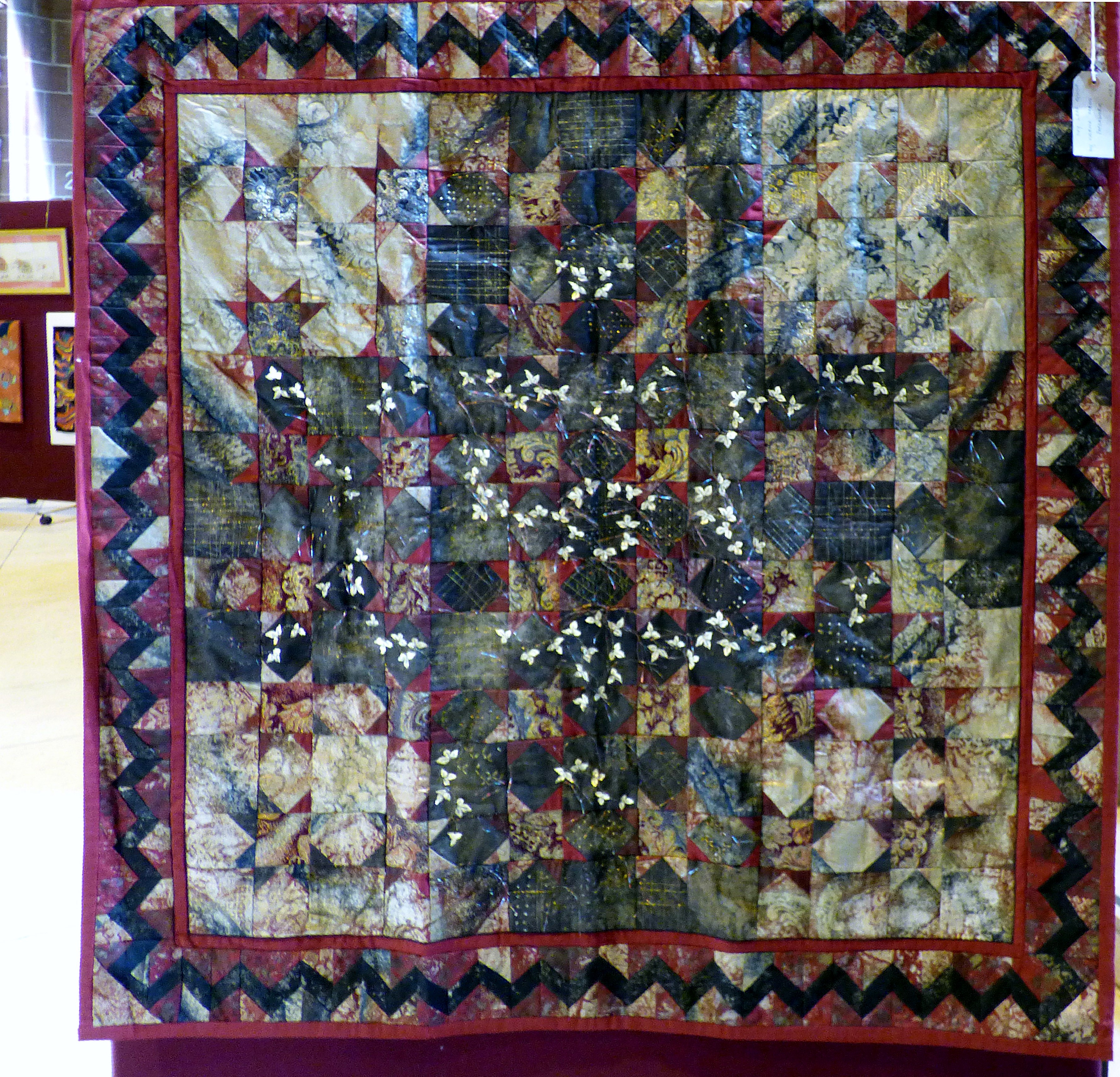 IVY LEAF QUILT by Norma Heron at 60 Glorious Years exhibition 2016