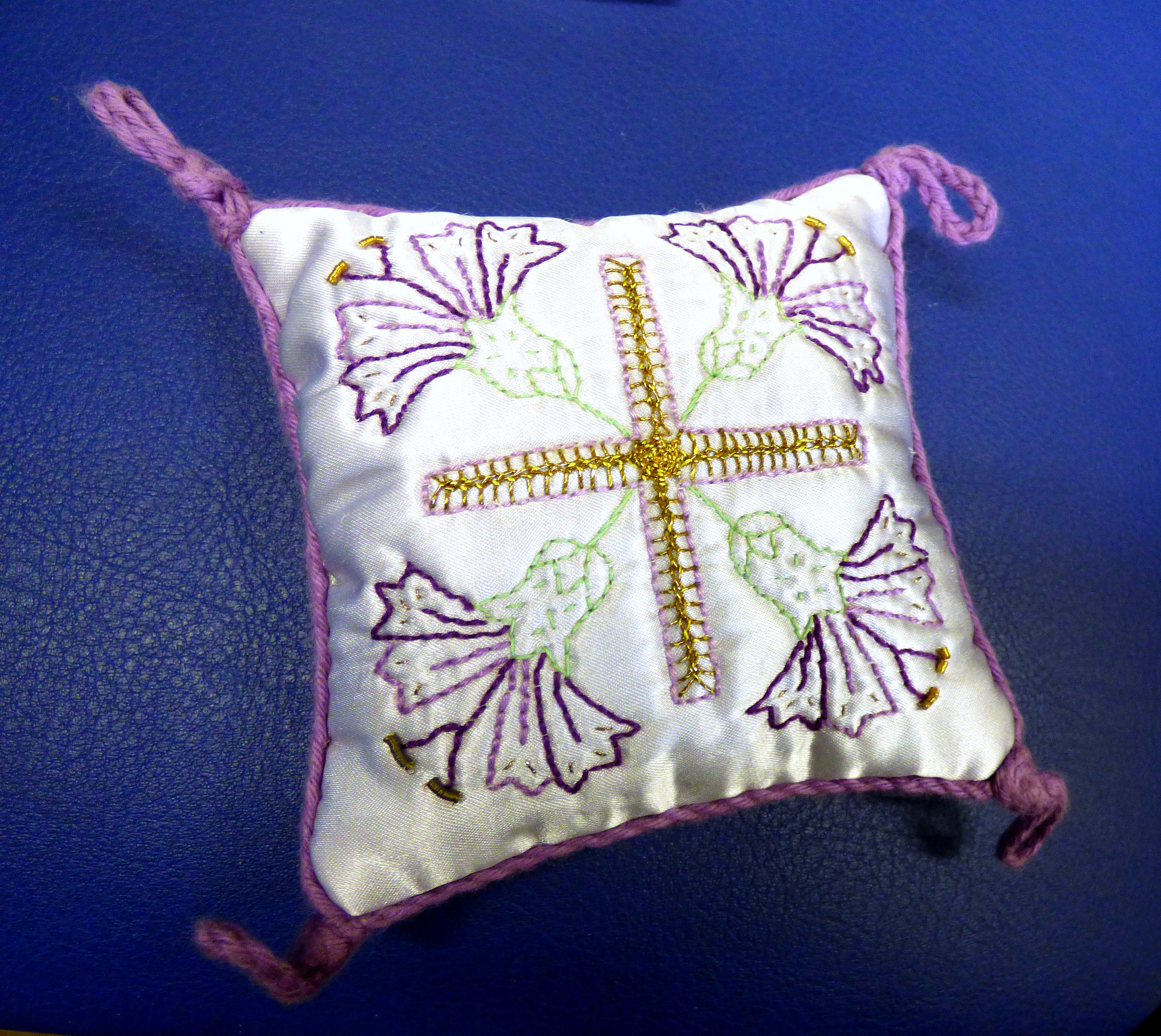 embroidered pin cushion by Eileen Pepper, Bolton EG 2018
