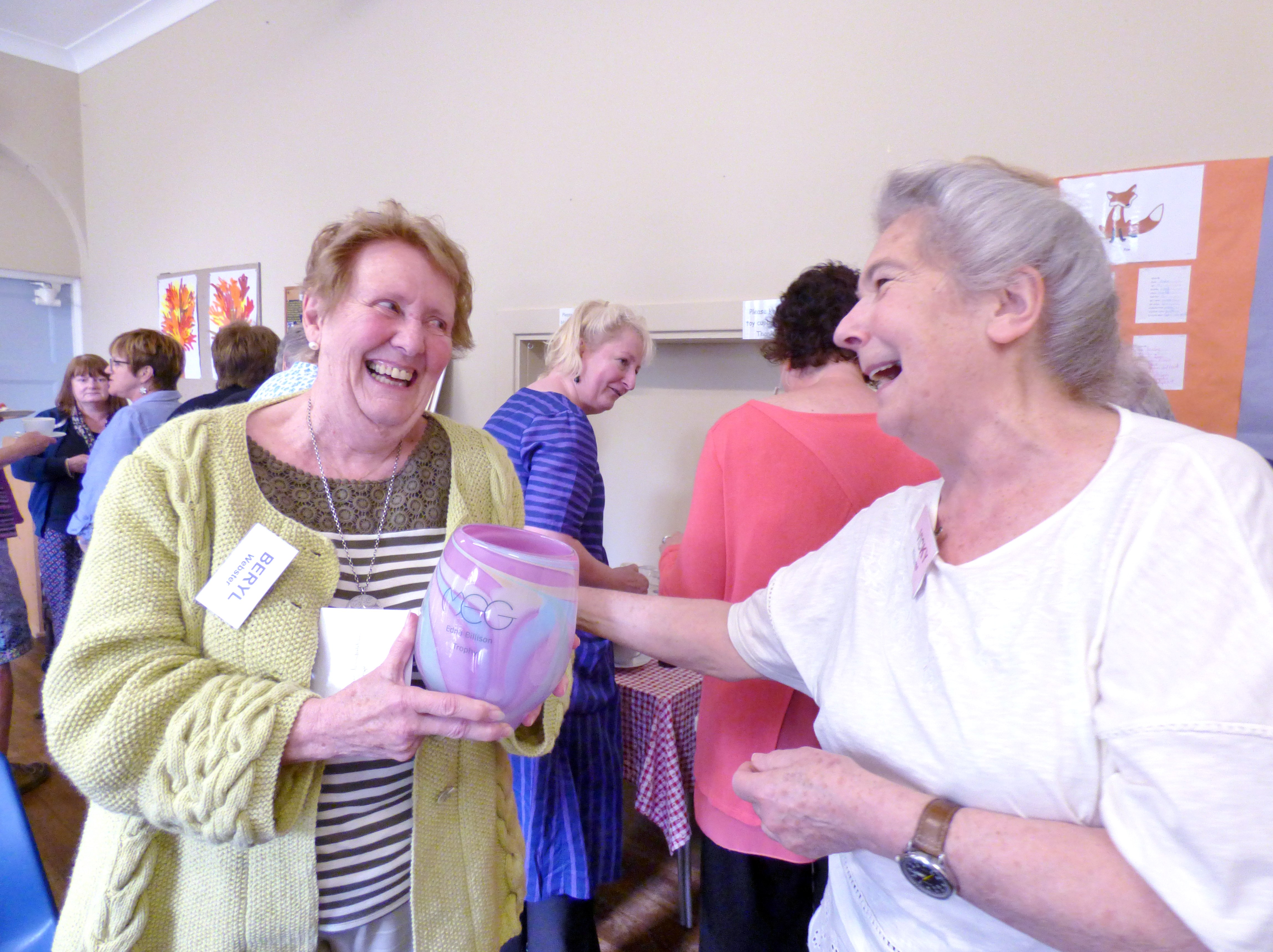Beryl Webster, winner of 2018 Colour Competition presented with the Edna Billison Glass Trophy by MEG Chair Vicky Williams