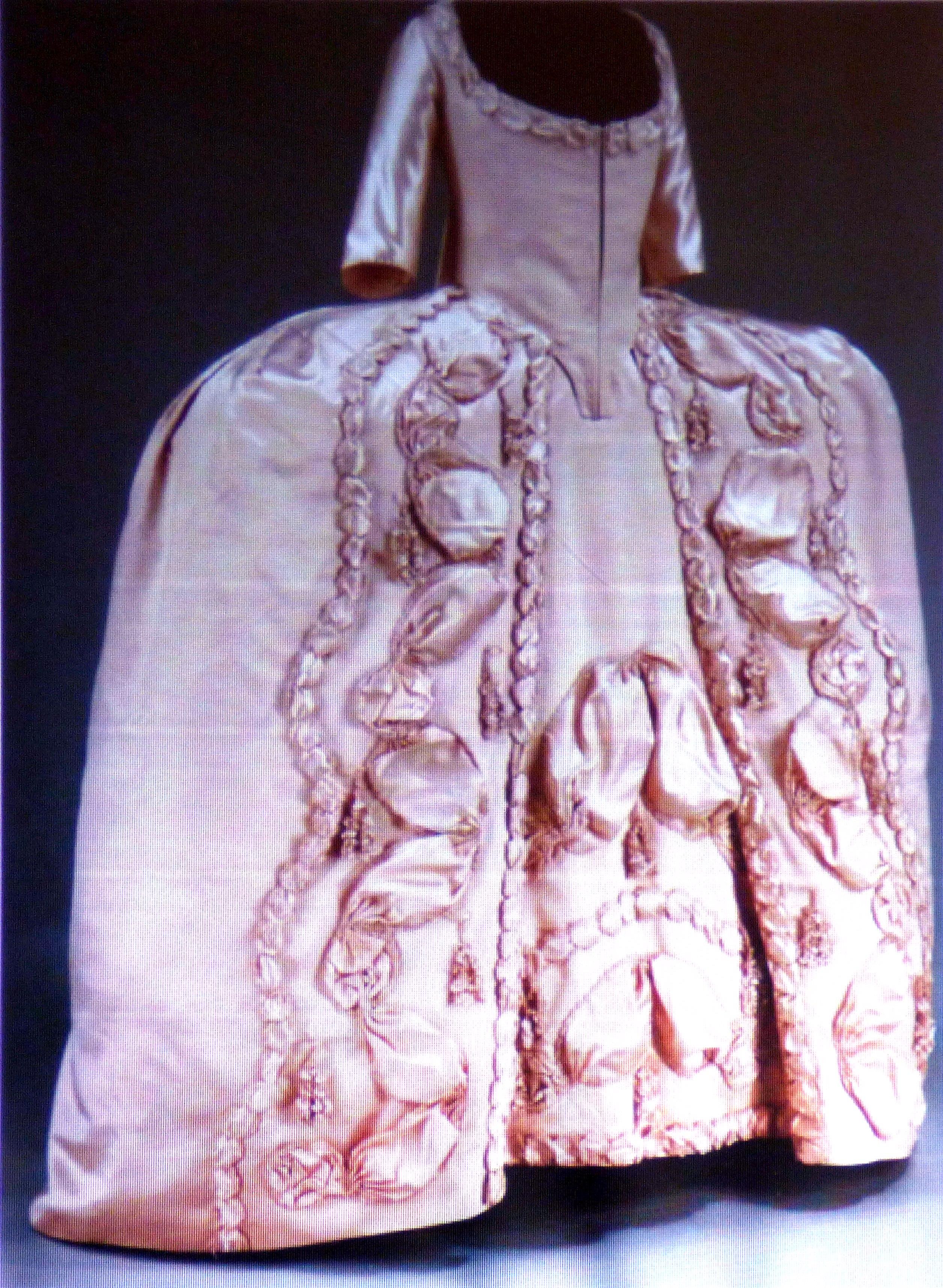 slide showing silk satin court dress, 1775-1780,  History of the Wedding Dress talk by Gill Roberts, MEG 2018