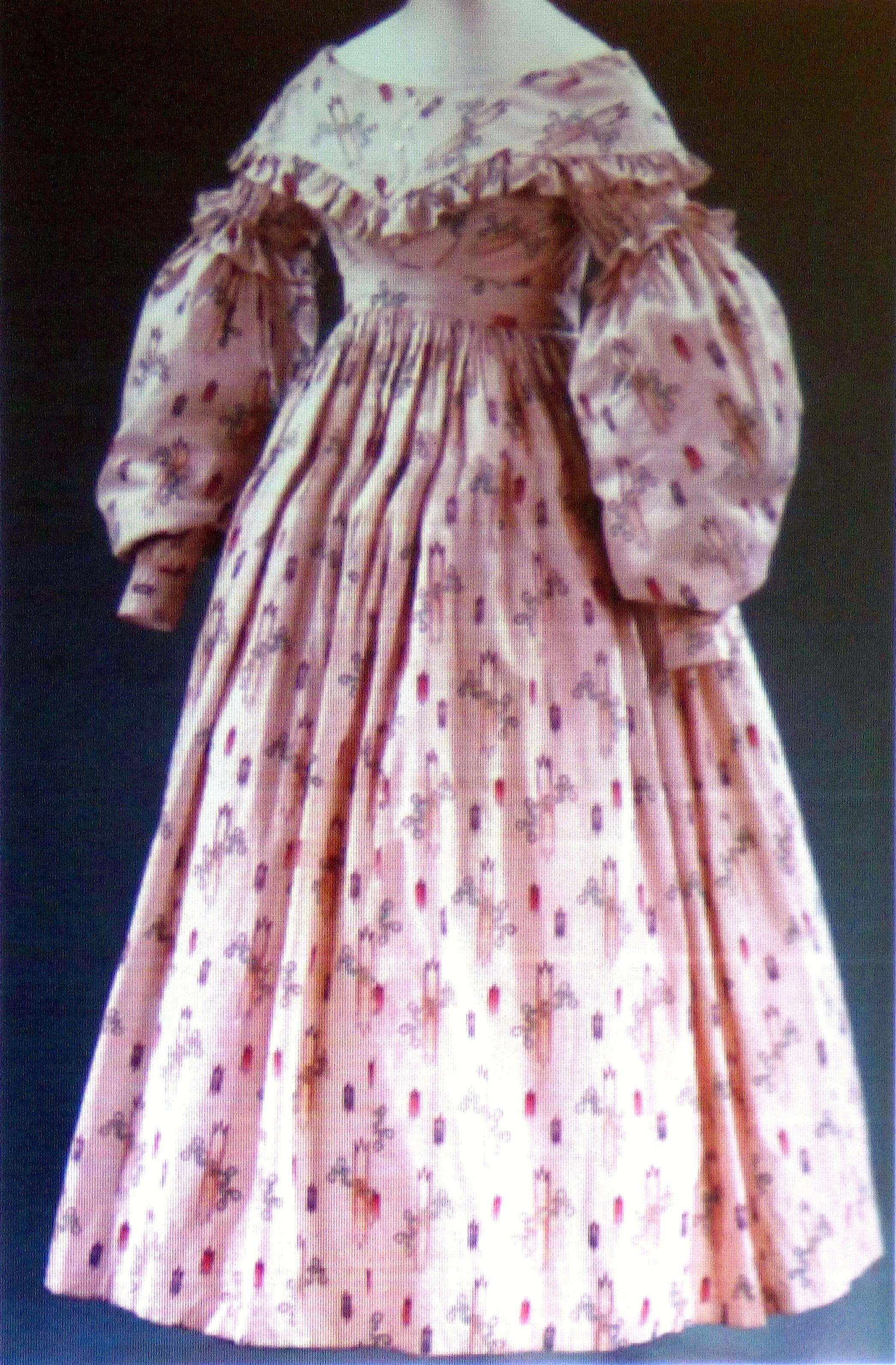 slide showing cotton wedding dress 1841, History of the Wedding Dress talk by Gill Roberts, MEG 2018
