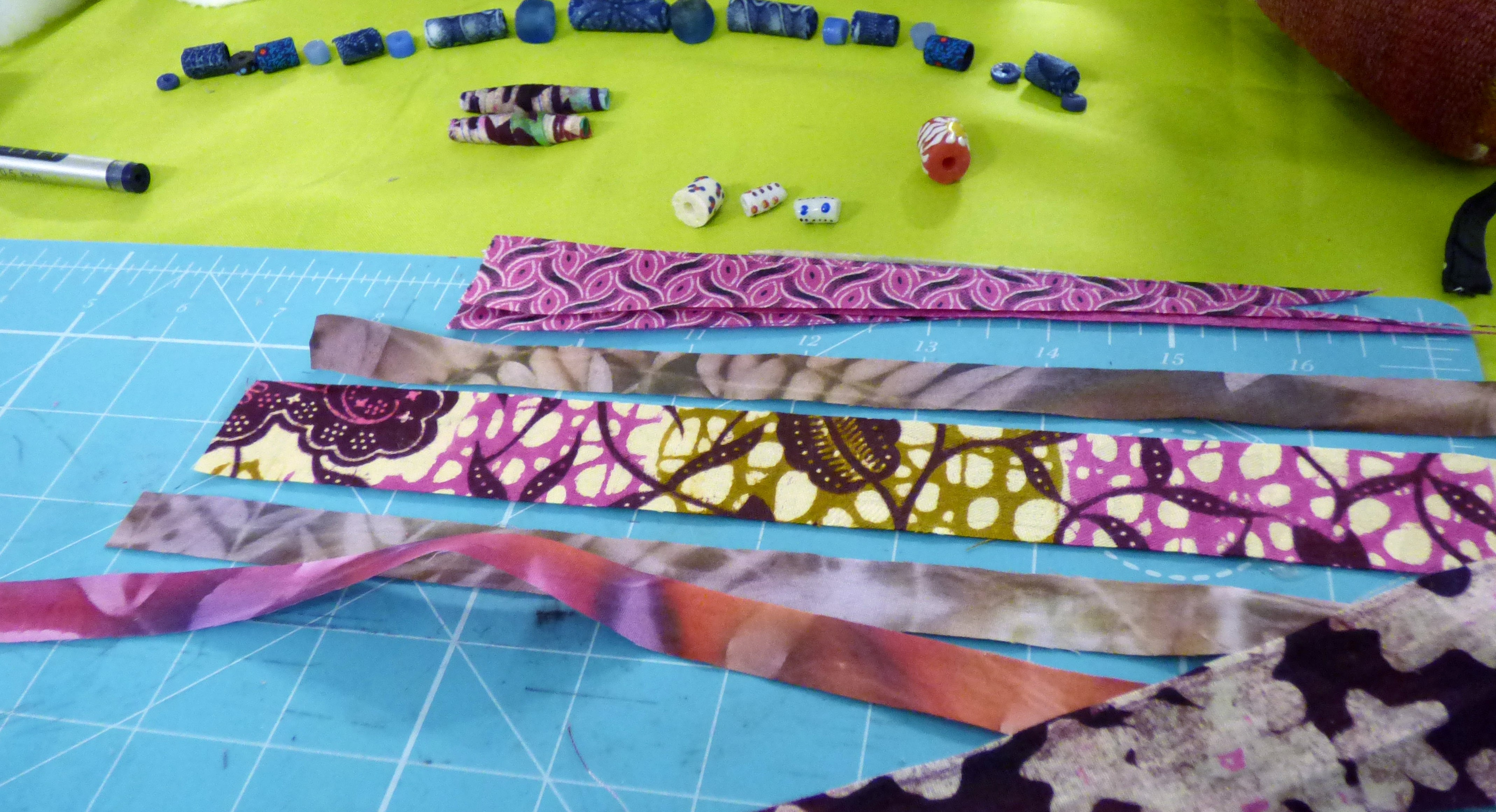 Fabric Beadmaking workshop with Magie Relph 2019