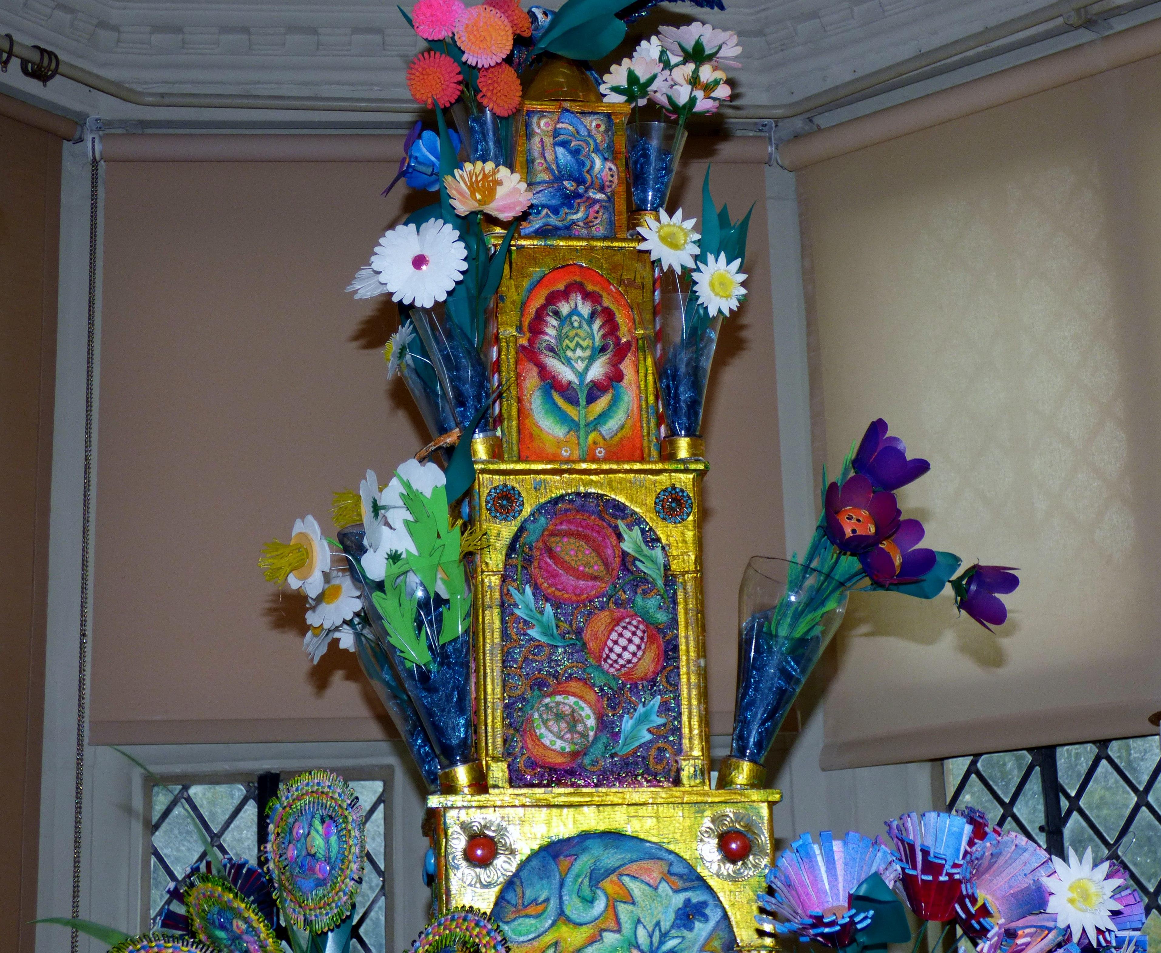 (detail) FLOWER POWER TOWER by Nikki Parmenter, Gawthorpe Hall, Sept 2020