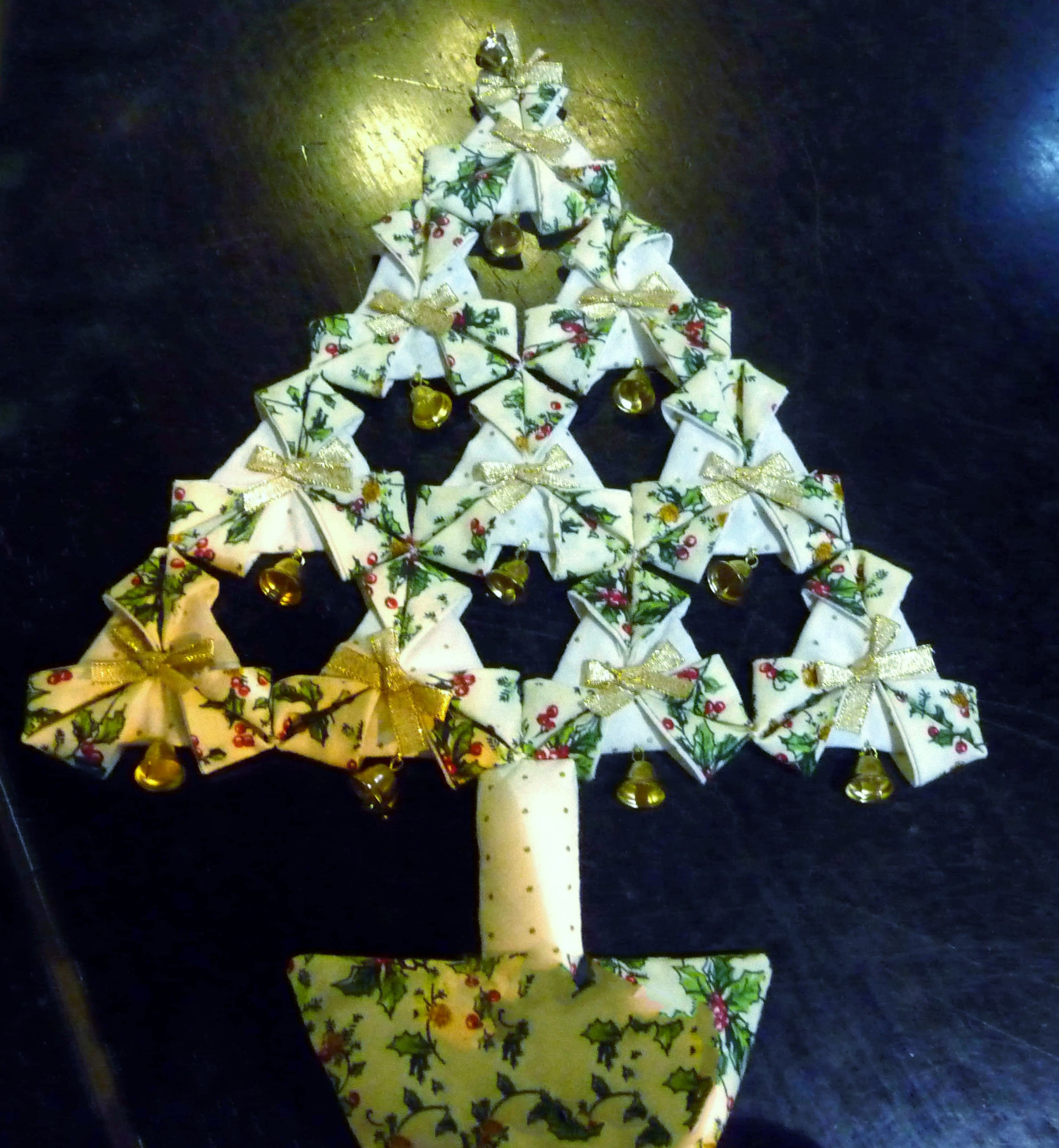Fabric Christmas tree made by Dorothy Kelly, Stitchin' Sisters Group