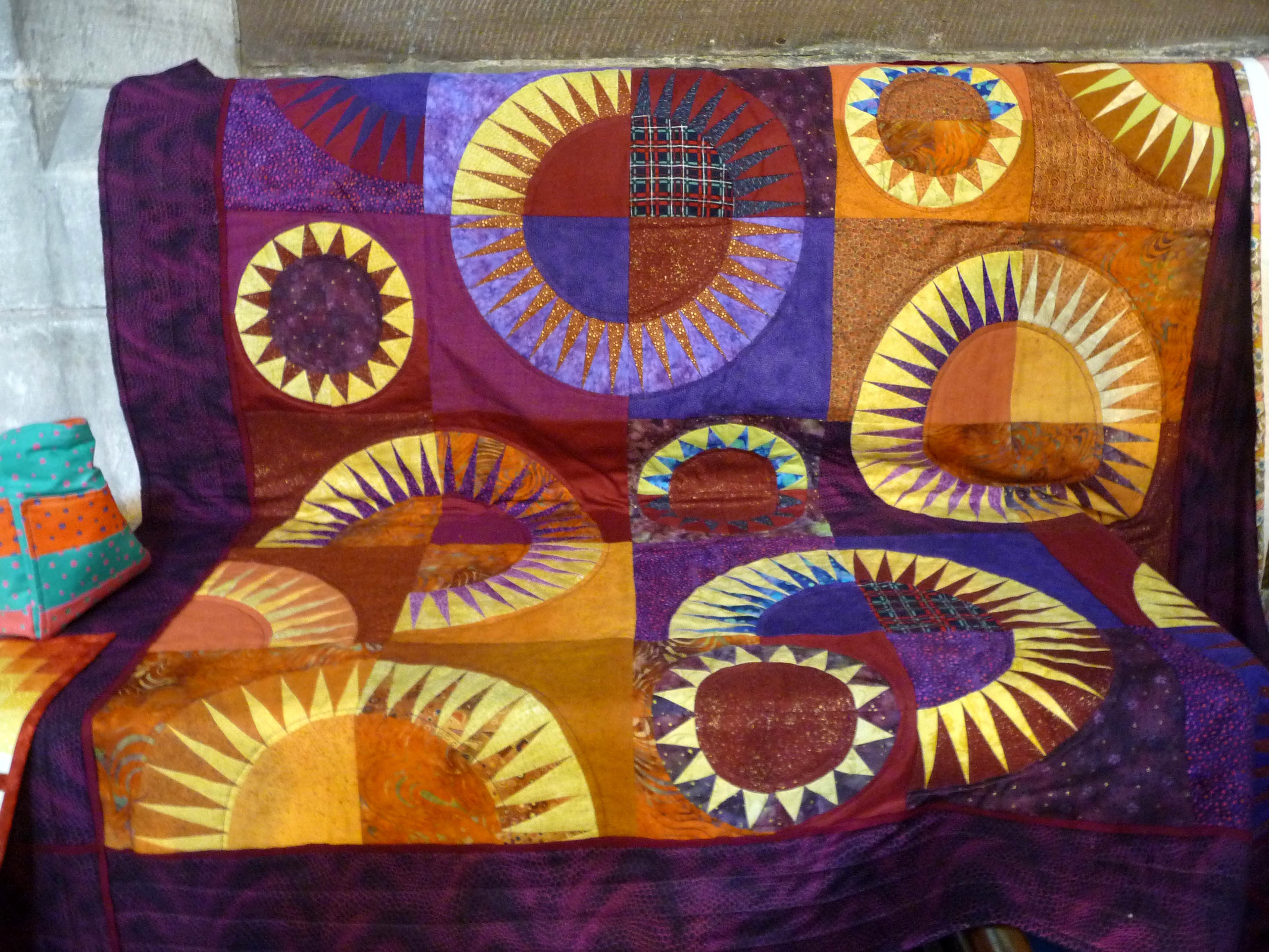 Quilt made by Sue Warn, Stitchin' Sisters Group