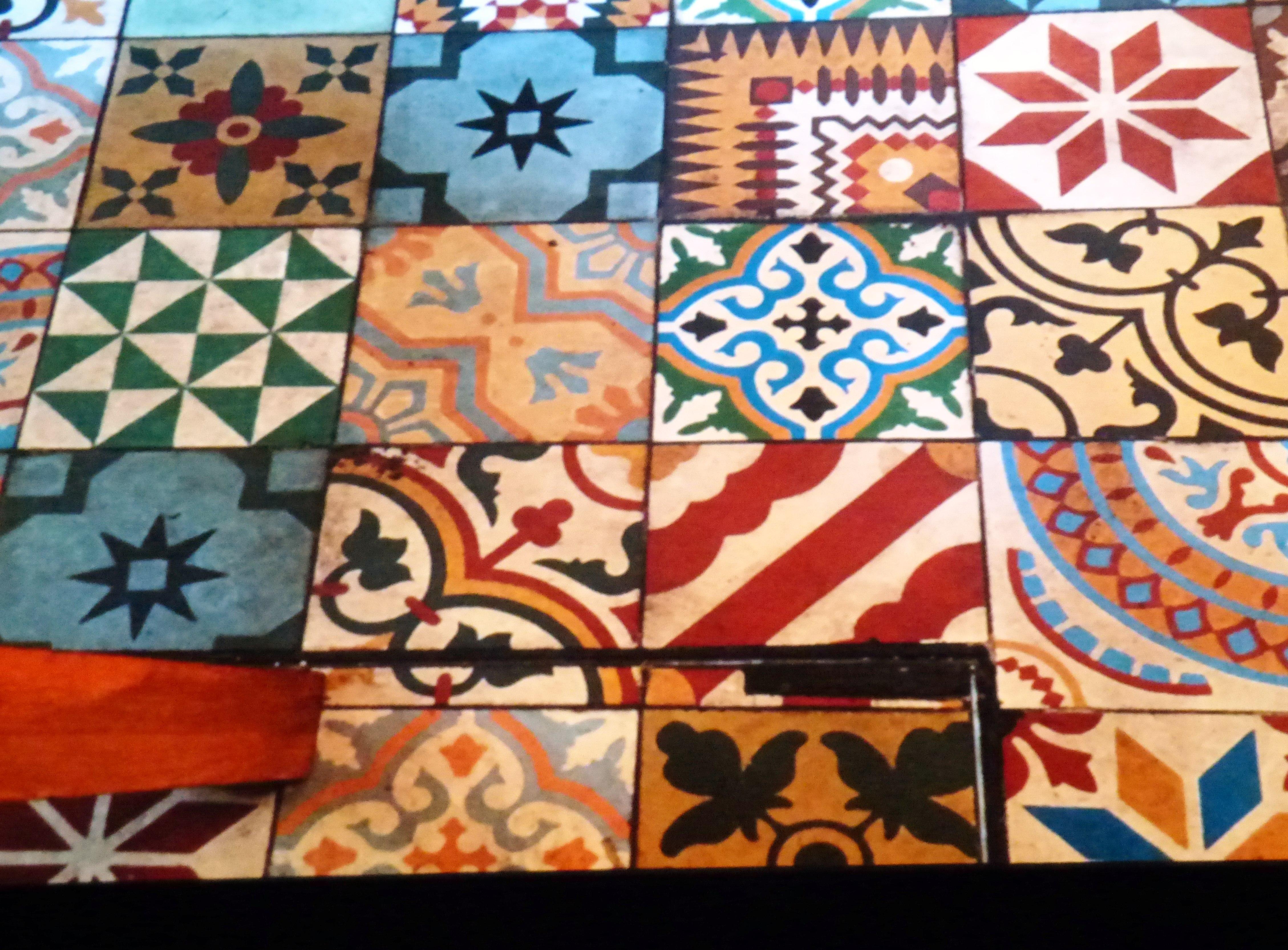 inspiration slide showing tiled floor at Kaffe Fassett Lecture, Capstone Theatre, Dec 2016