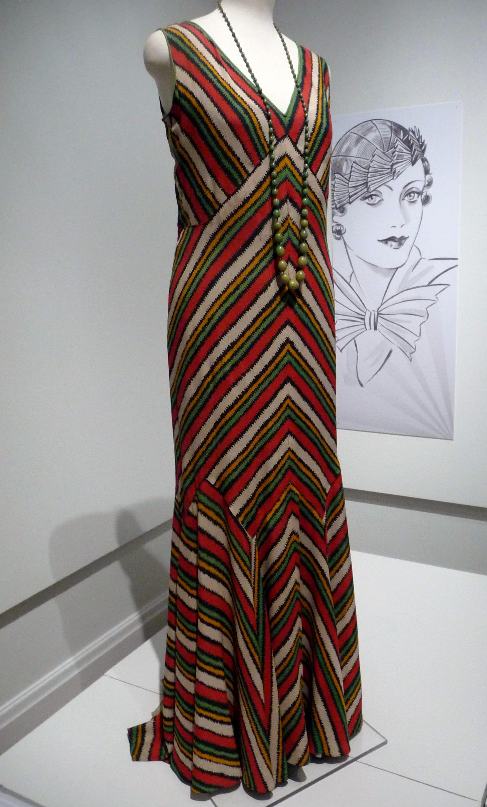 Evening dress, printed silk crepe, 1930-32