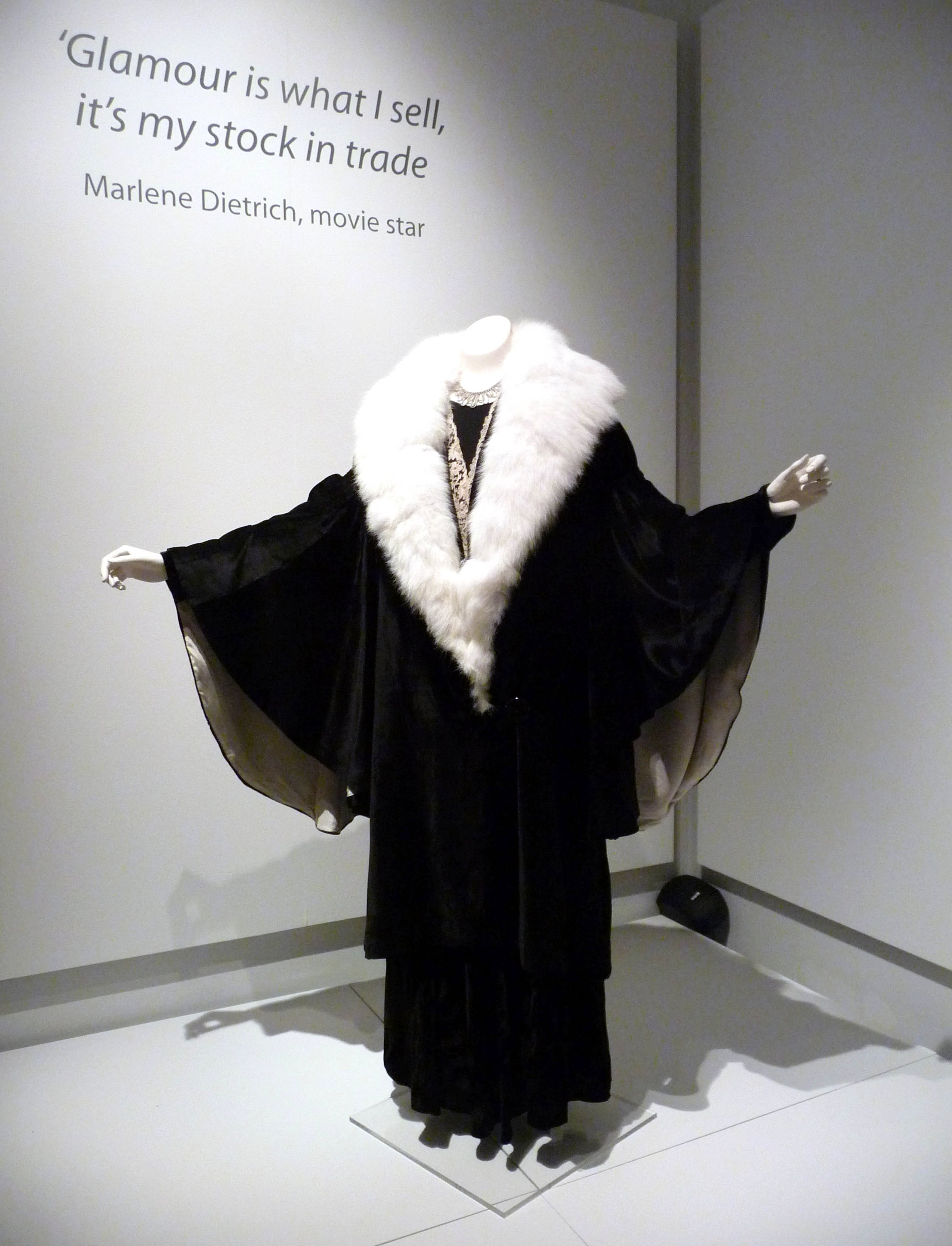 Evening coat, silk velvet & angora rabbit fur, 1930-36