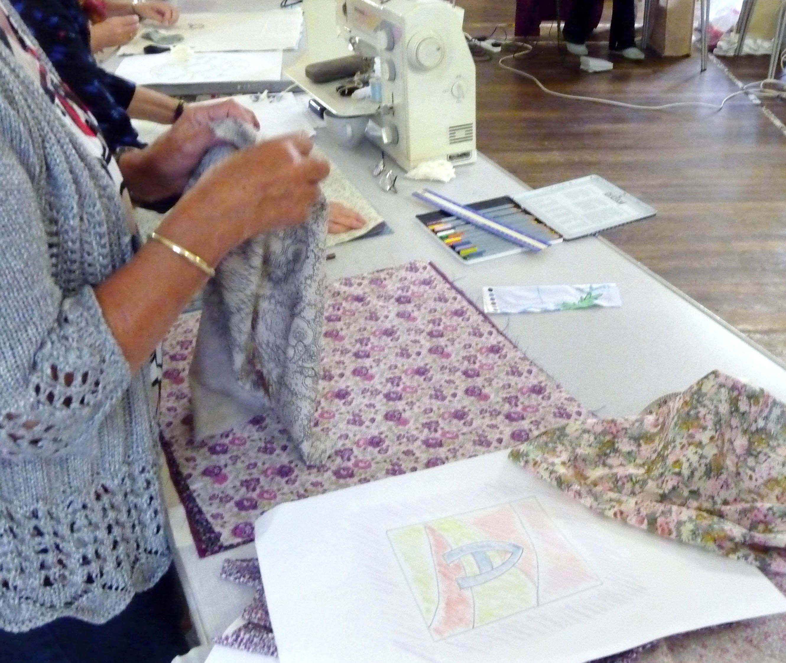 The pattern has been drawn, now it is time to choose the fabrics
