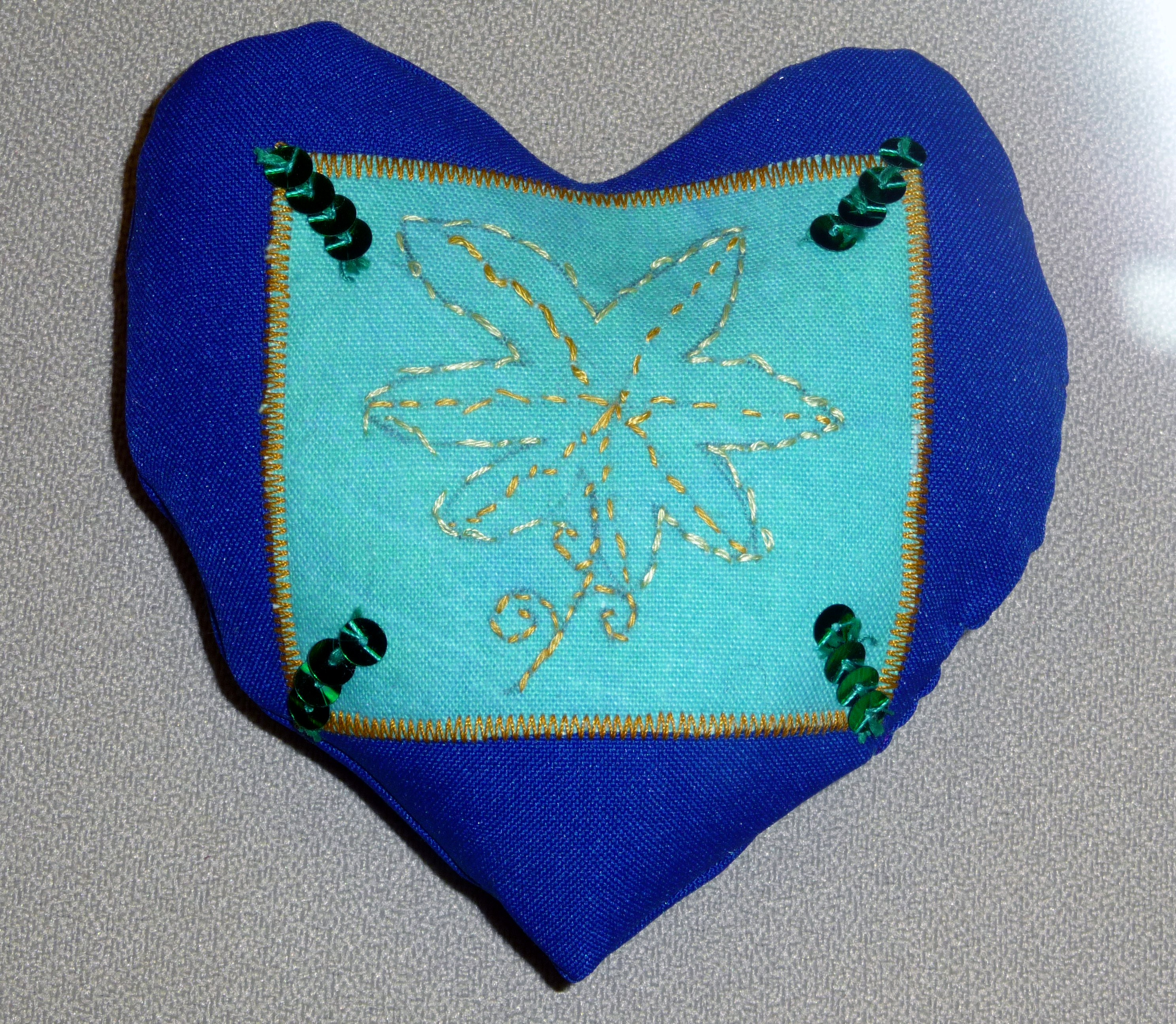 pincushion to commemorate World War 1 made by Annaleise, a Merseyside Young Embroiderer