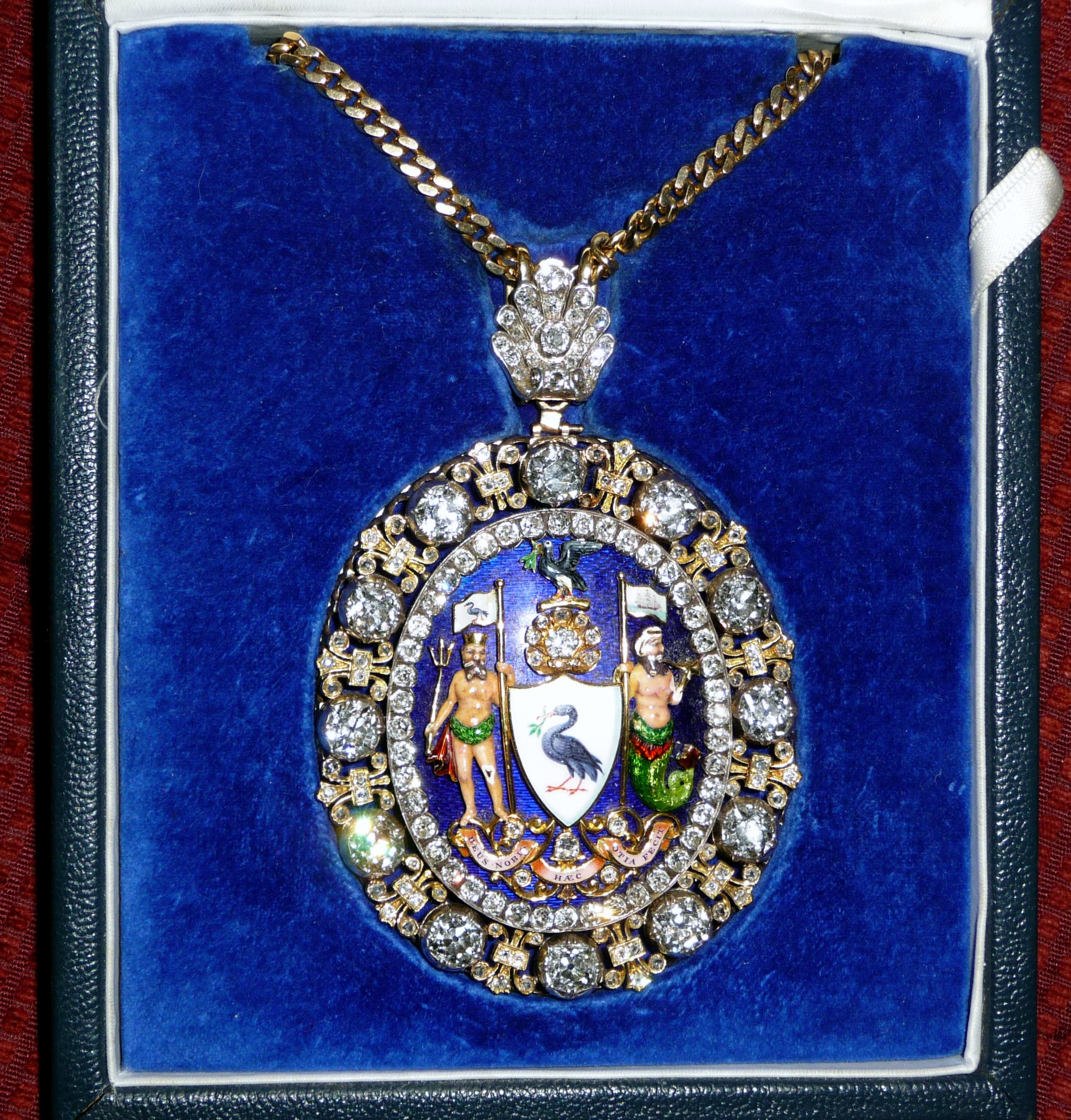 """this is the """"evening jewels"""". The chain of office Liverpool Lord Mayor wears at official evening functions"""