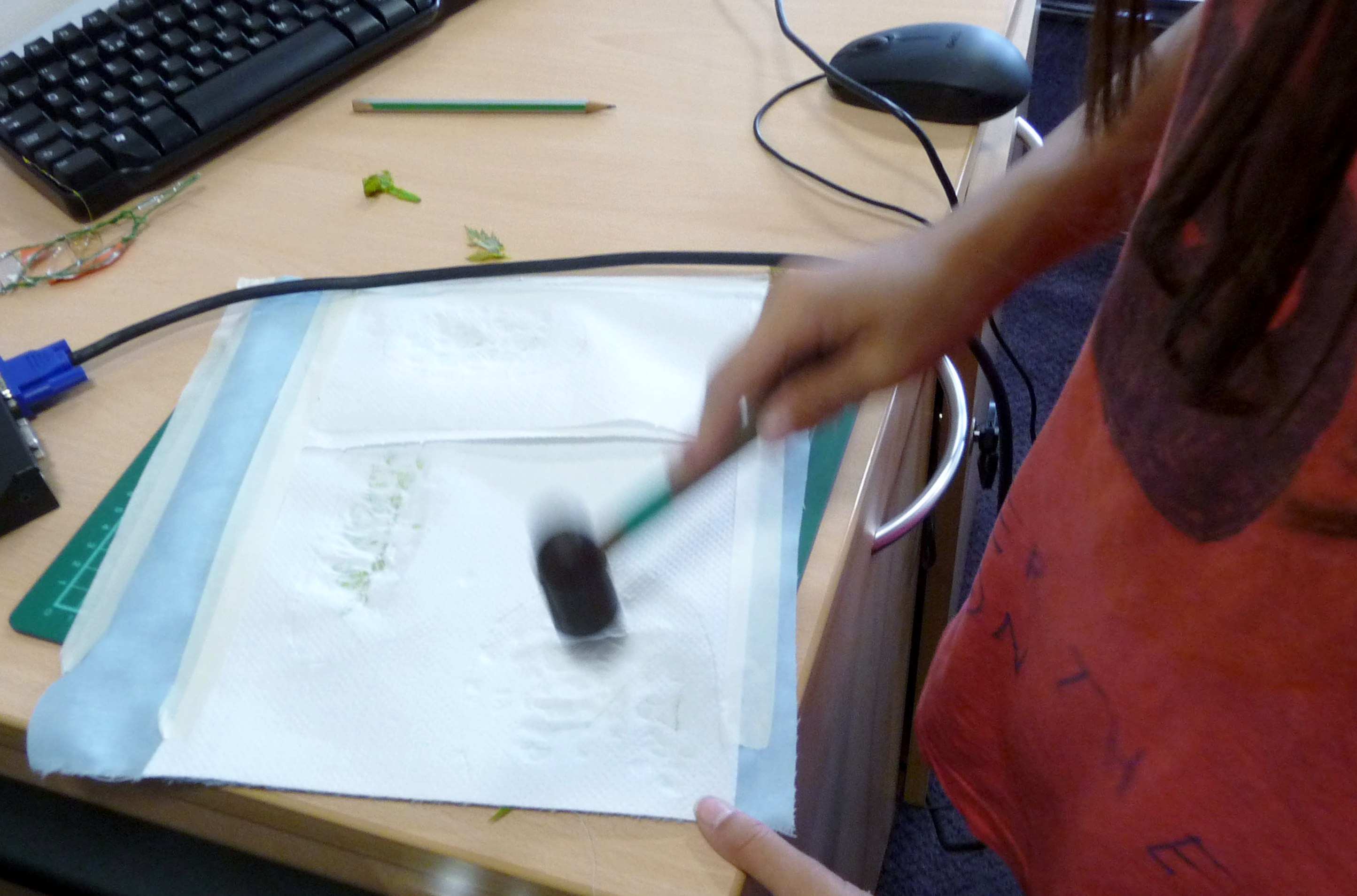 printing a background by leaf pounding - YE workshop June 2014