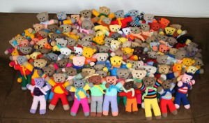 lots of knitted teddies ready to go to new homes