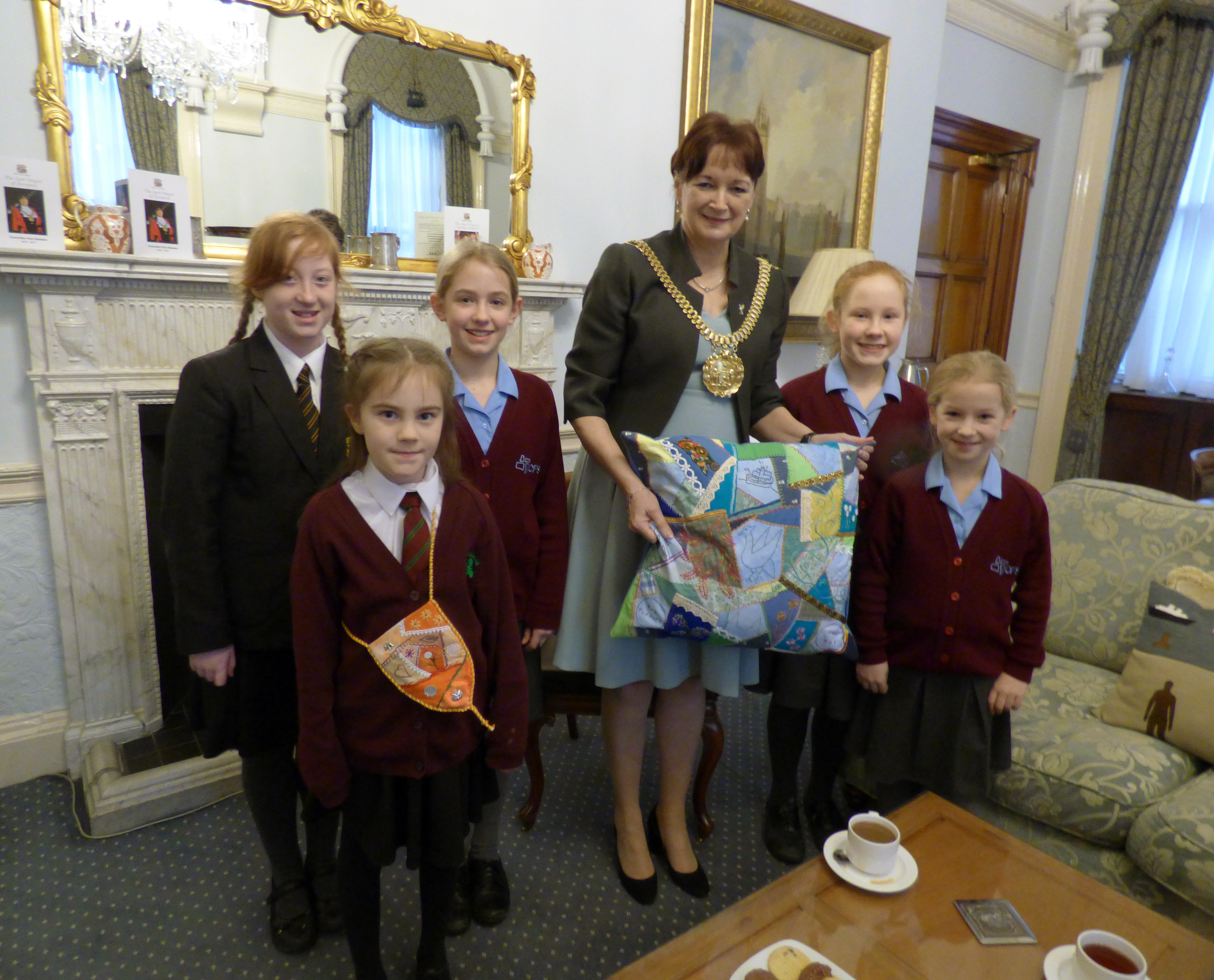 Members of Merseyside YE presented Liverpool Lord Mayor Cllr. Roz Gladden with a cushion for Lady Mayoress' Parlour, Jan 2017