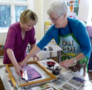 Workshops & Talks- Elsie is showing Sarah how to print her fabric